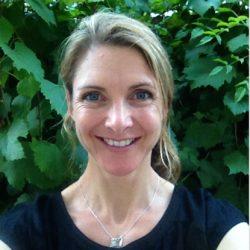 Associate Professor Lauren Rickards